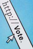 In linea votando Fotografia Stock Libera da Diritti