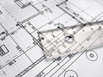 Lineal auf architectral Zeichnung stockfotos