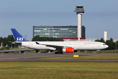 Linee aeree scandinave Airbus A330-300 di SRS Fotografie Stock