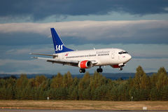 Linee aeree scandinave Boeing 737-500 di SRS Fotografia Stock Libera da Diritti