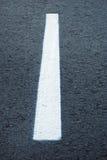 Linee di demarcazione sulla strada principale Fotografie Stock Libere da Diritti