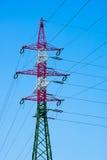 Linee e pilone di energia elettrica Immagini Stock
