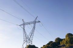 Linee elettriche ad alta tensione Fotografie Stock Libere da Diritti