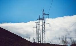 Linee elettriche ad alta tensione Immagini Stock Libere da Diritti