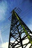 Linee elettriche da sotto Immagine Stock