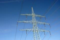 Linee elettriche e cielo blu Immagini Stock Libere da Diritti