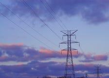 Linee elettriche e torrette immagini stock libere da diritti
