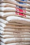 Linen стул pillows куча Стоковое Изображение RF