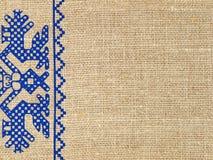 Linen текстура с русским традиционным орнаментом. Предпосылка. стоковое фото rf