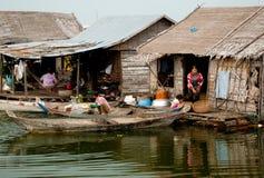 Linfa di galleggiamento di Tonle del villaggio Fotografia Stock Libera da Diritti