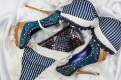 Lingerie et bourse sexy, chaussures de jeans Photos stock