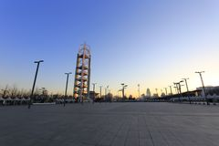 Linglngta-Turm des Sonnenaufgangs olympischen Parks Pekings, luftgetrockneter Ziegelstein rgb Lizenzfreie Stockbilder
