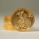 Lingote del águila de oro Imagen de archivo libre de regalías