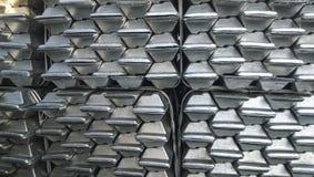 Lingots en aluminium Transport d'aluminium pour l'exportation Photo libre de droits