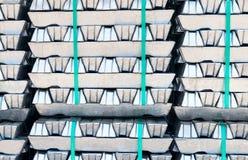 Lingotti di alluminio crudi Fotografie Stock
