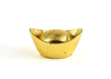 Lingotto cinese antico dell'oro isolato su fondo bianco Fotografia Stock Libera da Diritti