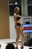 Lingrie preto Desire Lingrie Expo Fashion Show Fotografia de Stock