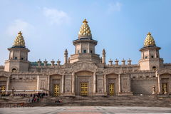 Lingshan Vaticanenslott i det Lingshan berget Arkivbilder