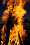 Lingue della fiamma al tramonto Immagini Stock Libere da Diritti