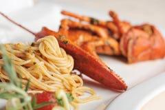 Linguine della pasta dei frutti di mare dell'aragosta Fotografia Stock
