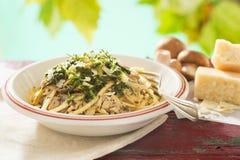 Linguini артишока гриба Стоковые Изображения