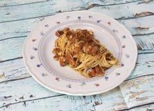 Linguini con la salsa de la almeja imagenes de archivo