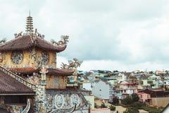 Linh Phuoc塔在大叻市,越南 免版税库存图片
