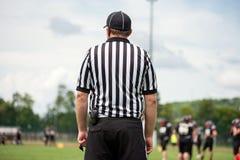 Linha árbitro do futebol americano, árbitro imagens de stock