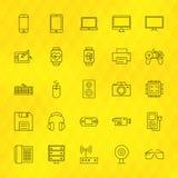 Linha ícones dos dispositivos da tecnologia ajustados sobre o fundo poligonal Foto de Stock Royalty Free