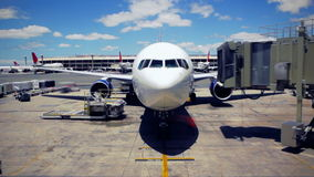 Linha aérea Jet Getting Ready a sair vídeos de arquivo