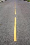 Linha amarela estrada Imagens de Stock Royalty Free