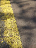 Linha amarela pista Fotografia de Stock Royalty Free
