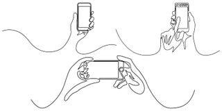 Linha contínua grupo de smartphone da terra arrendada da mão dispositivos Ilustra??o do vetor ilustração stock
