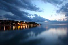 Linha costeira da noite Fotos de Stock
