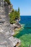 Linha costeira de Bruce Peninsula no parque nacional Ontário o do lago cyprus imagem de stock royalty free