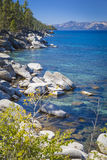Linha costeira majestosa de Lake Tahoe Fotos de Stock Royalty Free
