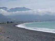 Linha costeira na praia de Kaikoura, Nova Zelândia Imagem de Stock Royalty Free