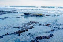 Linha costeira rochosa Imagens de Stock Royalty Free
