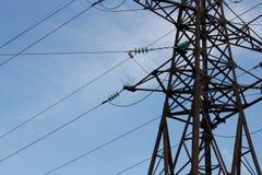 Linha da transmissão tower Fotos de Stock Royalty Free