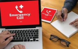 Linha de apoio ao cliente acidental urgente do serviço do centro de atendimento da emergência médica Imagens de Stock