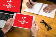 Linha de apoio ao cliente acidental urgente do serviço do centro de atendimento da emergência médica Fotos de Stock Royalty Free