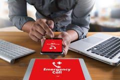 Linha de apoio ao cliente acidental urgente do serviço do centro de atendimento da emergência médica Fotografia de Stock