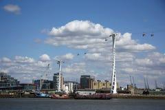 Linha de ar dos emirados (teleférico) em Londres Imagens de Stock Royalty Free