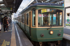 Linha de Enoden em Kamakura Fotos de Stock