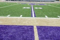 linha de jardas 50 em um campo de futebol Fotografia de Stock