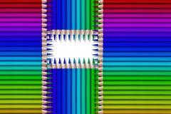 Linha de lápis coloridos no fundo preto Fotos de Stock Royalty Free