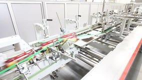 Linha de produção rápida na planta moderna vídeos de arquivo