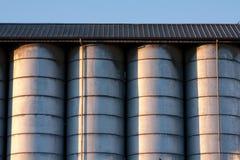 Linha de silos Imagens de Stock Royalty Free