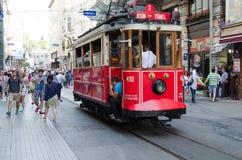Linha do bonde das famas em Istambul Taksim imagem de stock