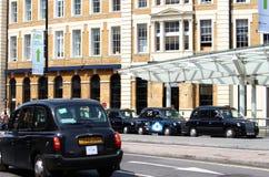 Linha do táxi de Londres fotos de stock